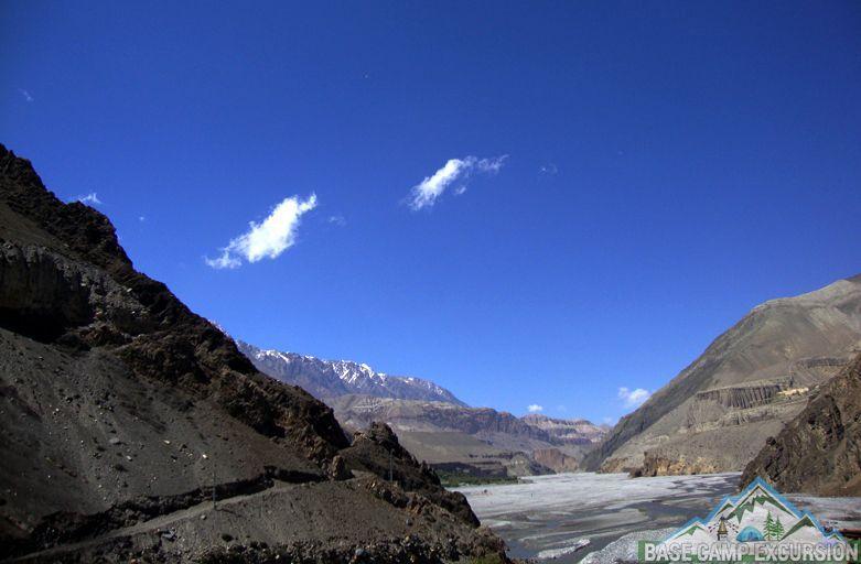 Kagbeni to Marpha trek distance, weather & route map via Jomsom Nepal