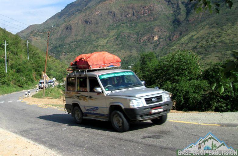 Book jeep or bus for Kathmandu to Syabrubesi distance via Dhunche