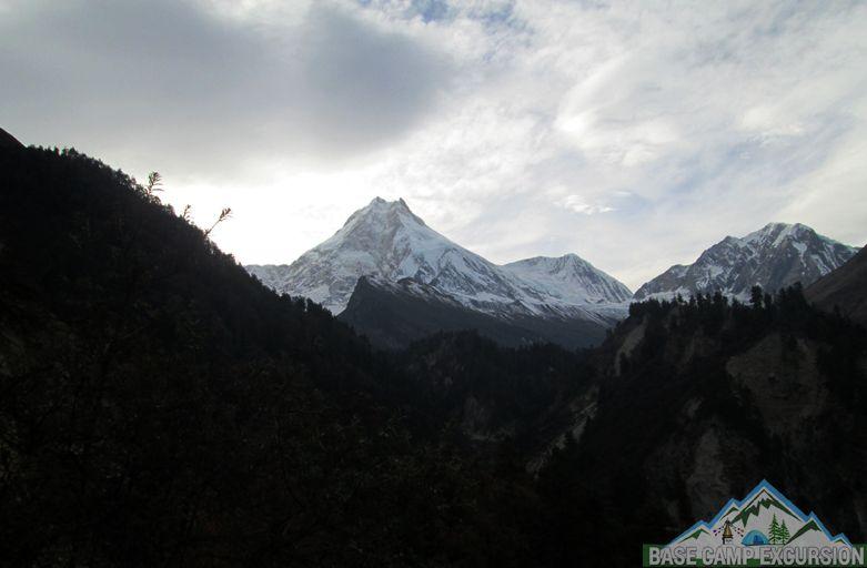 Deng to Namrung trek distance, altitude & around Manaslu trek itinerary