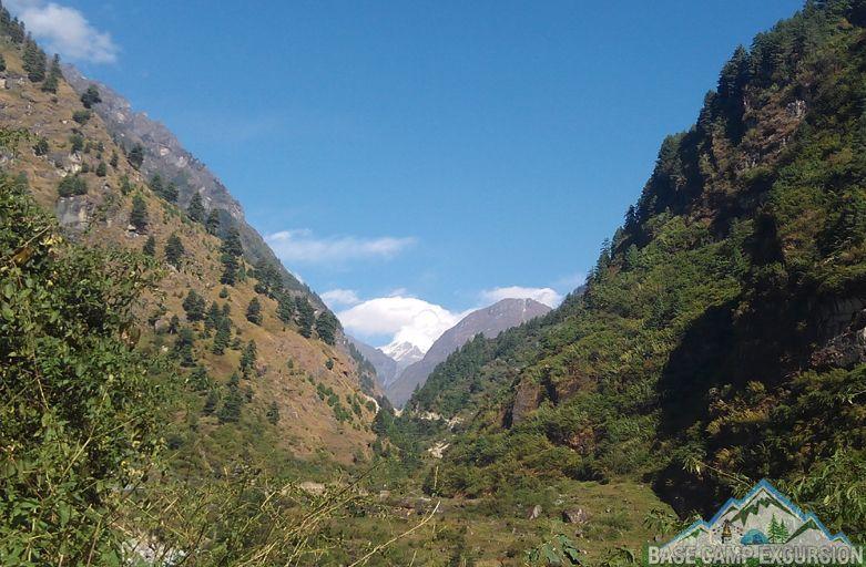Bimthang to Tilche trek distance & elevation with Manaslu trek guide